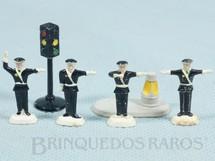 1. Brinquedos antigos - Lego - Conjunto Lego Systen Traffic Police Set completo com seis itens Ano 1959