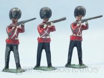 1. Brinquedos antigos - Sem identificação - Guarda Ingles Scots Guard de pé atirando com Fuzil Preço por unidade
