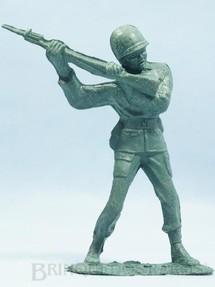 1. Brinquedos antigos - Plásticos Elsa - Soldado lutando com Fuzil 14,00 cm de altura Década de 1970