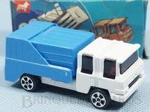 1. Brinquedos antigos - Corgi Toys-Kiko - Refuse Truck branco Brazilian Corgi Jr Kiko Década de 1980