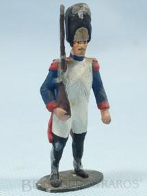 1. Brinquedos antigos - Sem identificação - Soldado Frances montando gurada Século XIX Década de 1970