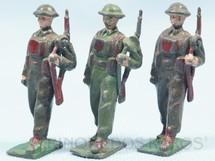 1. Brinquedos antigos - Sem identificação - Soldados Ingleses Segunda Guerra marchando com Fuzil preço por unidade