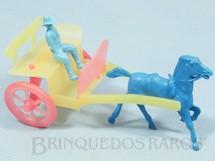 1. Brinquedos antigos - Sem identificação - Charrete com 13,00 cm de comprimento Década de 1970