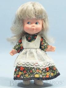 1. Brinquedos antigos - Estrela - Boneca Kiti com 12,00 cm de altura Ano 1974