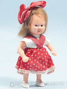 1. Brinquedos antigos - Estrela - Boneca Estrelinha com 8,00 cm de altura Blusa de tecido plástico e Saia de algodão Olhos pintados Cabelo Natural Ano 1957