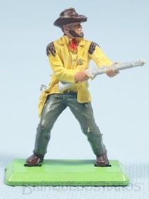 1. Brinquedos antigos - Britains - Cowboy de pé atirando com rifle Série Deetail Década de 1970