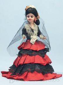 1. Brinquedos antigos - Sem identificação - Boneca com traje típico da Espanha 14,00 cm de altura Década de 1970