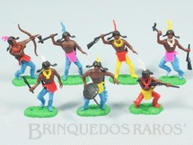 1. Brinquedos antigos - Jean Hoefler - Conjunto com 7 Índios Década de 1970