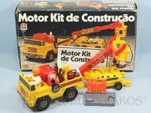 1. Brinquedos antigos - Estrela - Conjunto Motor Kit de Construção com Caminhão Reboque Boneco Ferramentas Pneumáticas e Manual de Instrução Década de 1980