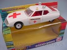 1. Brinquedos antigos - Guisval - Ambulância Citroen SM Década de 1970