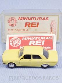1. Brinquedos antigos - Schuco-Rei - Audi 100 LS Schuco Modell Brasilianische Schuco Rei com Catálogo