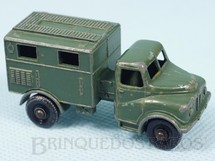 1. Brinquedos antigos - Matchbox - Austin MK2 Radio Truck Black Plastic Regular Wheels