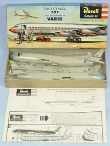 1. Brinquedos antigos - Revell - Avião Boeing 707 Primeira versão Varig Caixa dura Decalcomanias aplicadas Ano 1964