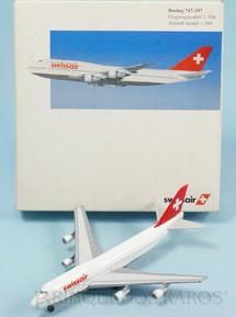 1. Brinquedos antigos - Herpa - Avião Boeing 747-357 Swissair Série Herpa Wings com 12,00 cm de envergadura Década de 2000