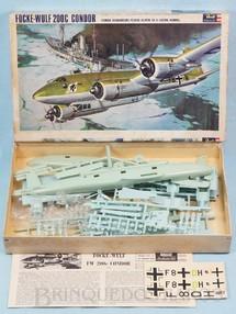 1. Brinquedos antigos - Revell - Avião Focke-Wulf 200C Condor Caixa dura Fabricação final da Década de 1960