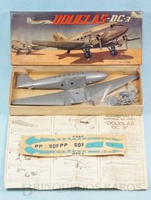 1. Brinquedos antigos - Atma - Avião McDonnell Douglas DC-3 da VASP Kit parcialmente montado Década de 1960