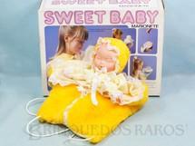 1. Brinquedos antigos - Trol - Bebê Marionete Sweet Baby com 30,00 cm de comprimento Década de 1980