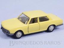 1. Brinquedos antigos - Schuco - BMW 2800 amarela