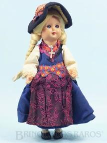 1. Brinquedos antigos - Sem identificação - Boneca com 23,00 cm de altura Traje típico Italiano Cabeça e corpo de plástico rígido Olhos de dormir Década de 1960