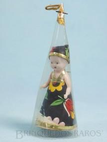 Brinquedos Antigos - Daisy - Boneca com 6,5 cm de altura Corpo de plástico e vestido de papel Envolta em cone de acetato era utilizada como adorno de Árvore de Natal Década de 1960