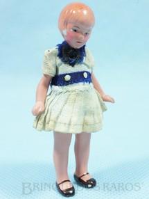 1. Brinquedos antigos - Sem identificação - Boneca com 8,00 cm de altura Roupa de tecido Ano 1935