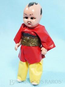 1. Brinquedos antigos - Sem identificação - Boneco com traje típico do Japão 9,00 cm de altura roupa de plástico Década de 1960
