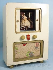 1. Brinquedos antigos - Estrela - Caixa de música Radiotelevisão com Bailarina que dança ao se abrir as portas centrais Melodia La Cucaracha 26,00 cm de altura Coleção Carlos Augusto Ano 1954