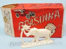 1. Brinquedos antigos - Big-Show Ltda - Caixa Surpresa Brasinha com Elefante de 2,00 cm de altura Coleção Carlos Augusto Década de 1970