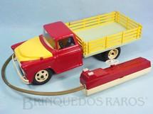 1. Brinquedos antigos - Atma - Caminhão Chevrolet 6500 1957 Atma Mirim com controle via cabo 37,00 cm de comprimento Década de 1960