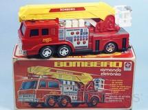 1. Brinquedos antigos - Estrela - Caminhão de Bombeiro Comando Eletrônico Anos 1978 a 1985
