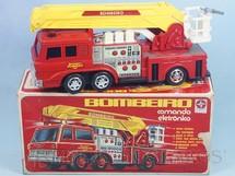 Brinquedos Antigos - Estrela - Caminhão de Bombeiro Comando Eletrônico Anos 1978 a 1985