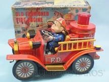 1. Brinquedos antigos - Nomura Toys - Caminhão de Bombeiro com Boneco Old Fashioned Fire Engine Sistema Bate e Volta 24,00 cm de comprimento Década de 1960