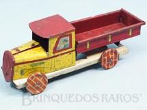 1. Brinquedos antigos - EVA - Caminhão Entregas Rápidas com 19,00 cm de comprimento Década de 1930