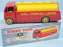 1. Brinquedos antigos - Dinky Toys - Caminhão Tanque A.E.C. Shell Chemicals Limited Tanker ano 1955