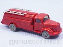 1. Brinquedos antigos - Wiking - Caminhão Tanque Mercedes Benz com escadas 5,00 cm de comprimento Década de 1970