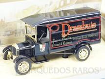 1. Brinquedos antigos - Matchbox - Caminhonete 1926 Ford Model TT Yesteryear Drambuie Liqueur Década de 1980