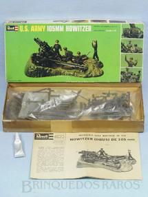 1. Brinquedos antigos - Revell - Canhão 105 mm U.S. Army Howitzer Caixa dura Década de 1960