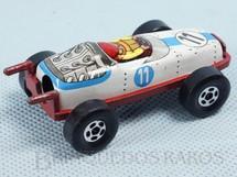 1. Brinquedos antigos - Sem identificação - Carro de Corrida apontador de lápis com 7,00 cm de comprimento Carroceria de lata e chassi de metal Década de 1970