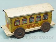 1. Brinquedos antigos - EVA - Carro de Passageiros Amarelo Estrada de Ferro Central do Brasil com 14,00 cm de comprimento Ano 1937