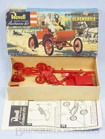 1. Brinquedos antigos - Revell - Carro Oldsmobile 1904 Caixa dura Ano 1964