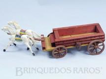 1. Brinquedos antigos - Comanche - Carroça Aberta com dois Cavalos índios com rédeas Fabricados pela Casablanca Década de 1960