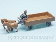 1. Brinquedos antigos - Wiking - Carroça com dois Cavalos e Cocheiro em plástico marmorizado Década de 1950