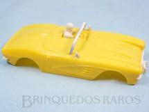 1. Brinquedos antigos - Estrela - Carroceria Corvette amarela licença Gilbert Co. Nunca usada Estoque Original de Fábrica Ano 1963