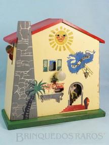 1. Brinquedos antigos - Estrela - Casa com Aparelho de música Apresenta movimento de diversos personagens em seu interior 25,00 cm de altura Melodia It´s a Small World Ano 1947