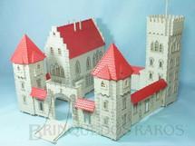 1. Brinquedos antigos - Jean Hoefler - Castelo Medieval com 42,00 x 38,00 cm de base Década de 1970