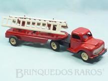 1. Brinquedos antigos - Metalma - Cavalo Mecânico e Carreta prancha com Escadas 33,00 cm de comprimento Coleção Carlos Augusto Década de 1960