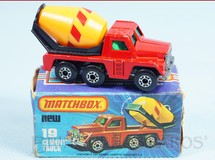1. Brinquedos antigos - Matchbox - Cement Truck Superfast Yellow Barrel