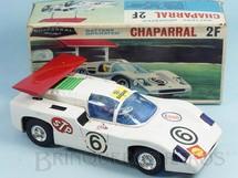 1. Brinquedos antigos - Alps - Chaparral 2F com 28,00 cm de comprimento Anda movimenta o Aerofólio e acende o motor Década de 1980