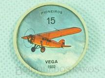 1. Brinquedos antigos - Sem identificação - Chapinha Kibon da Aviação Número 15 Pioneiros Vega 1932 Brinde da década de 1960