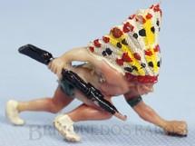 Brinquedos Antigos - Casablanca e Gulliver - Chefe �ndio Coiote Cinzento agachado com rifle Casablanca numerado 108 D�cada de 1960